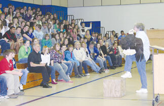 Laura Edmunds speaking to the Brown County Junior High School students