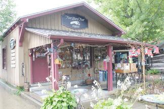 For Bare Feet in Nashville's Antique Alley