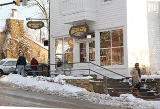 Hobnob Corner Restaurant
